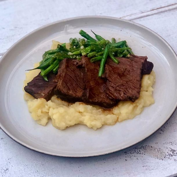 braised beef short ribs, mashed potatoes