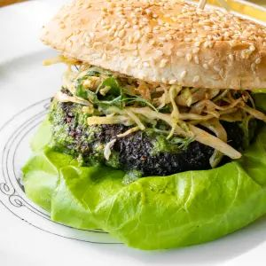 CW's Spicy Kale Burger